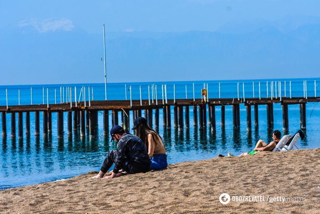 В Турции сейчас полупустые пляжи