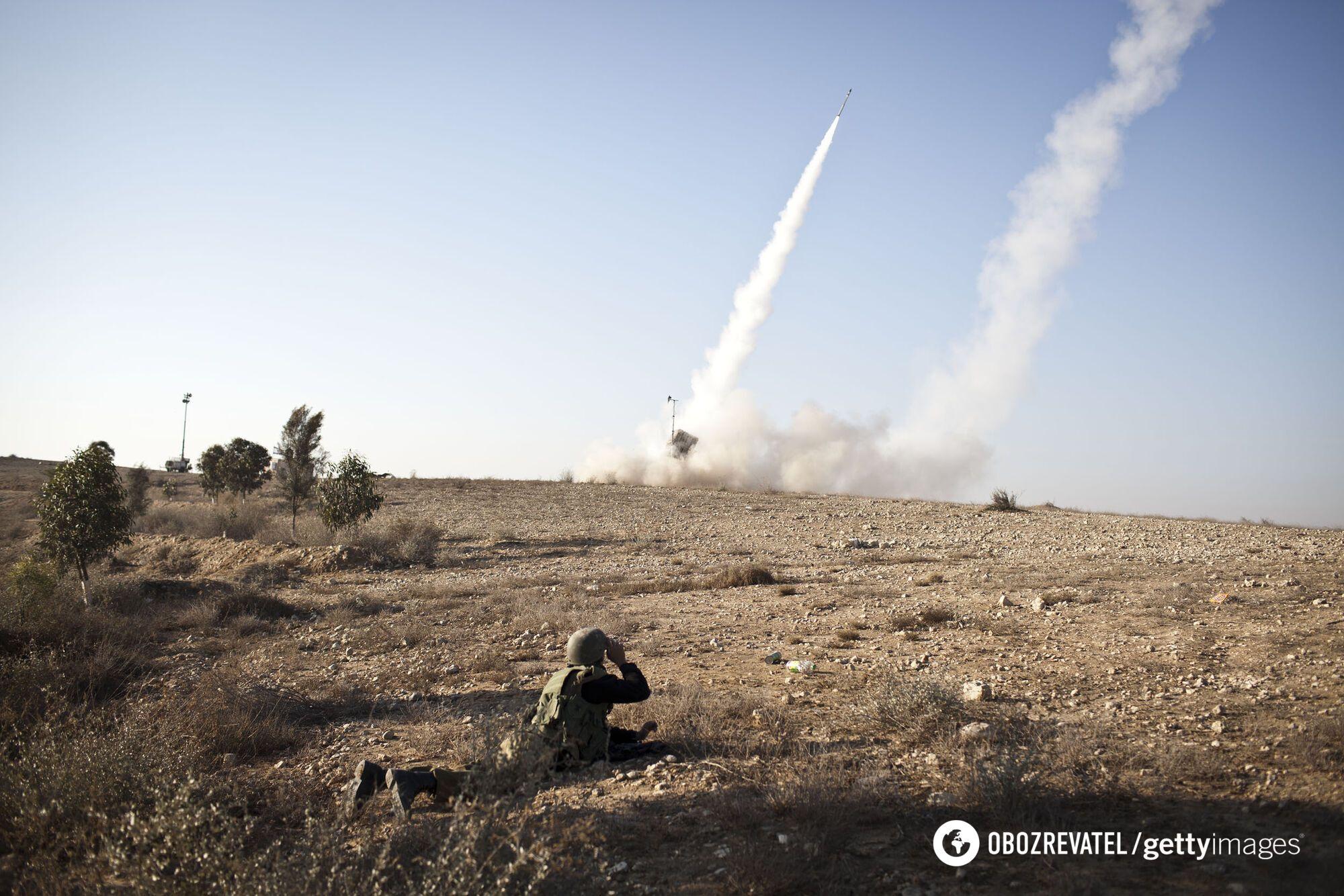 """Момент пуска ракет-перехватчиков из """"Железного купола"""""""