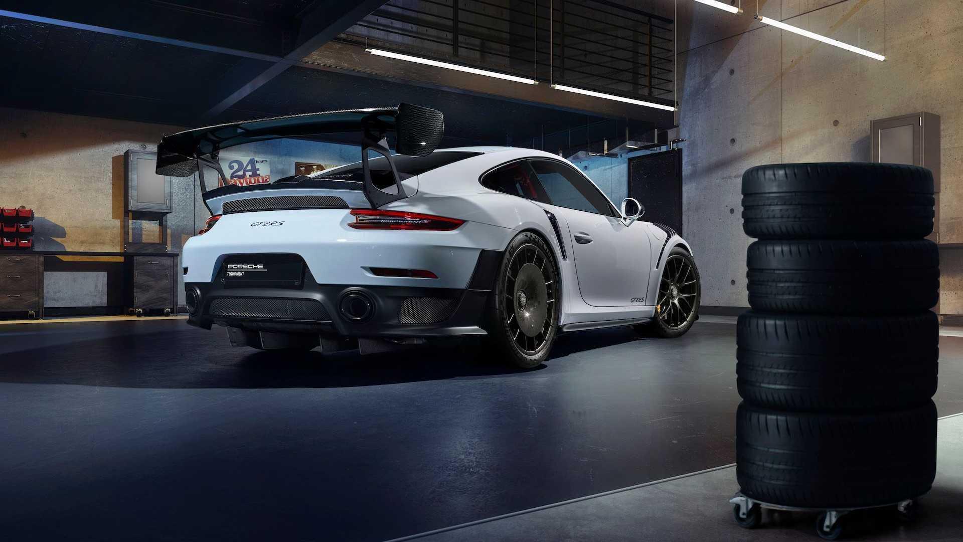 В подразделениях Tequipment и Classic можно заказать персонализированный Porsche