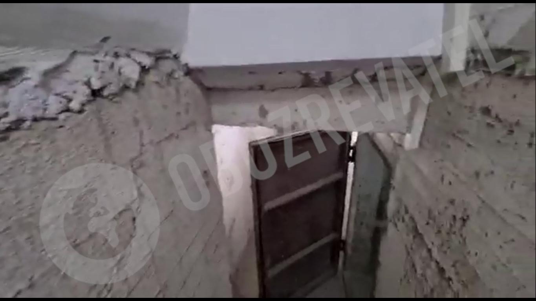 Бомбосховище – за масивними дверима