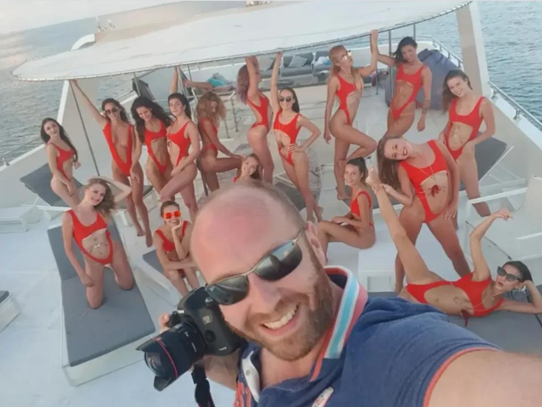 Организатор голой фотосесии в Дубае Виталий Гречин