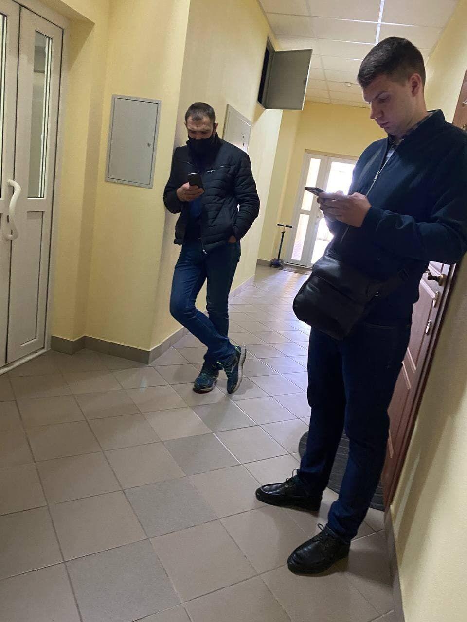 Вход на этаж Тупицкого охраняли два сотрудника управления Госохраны