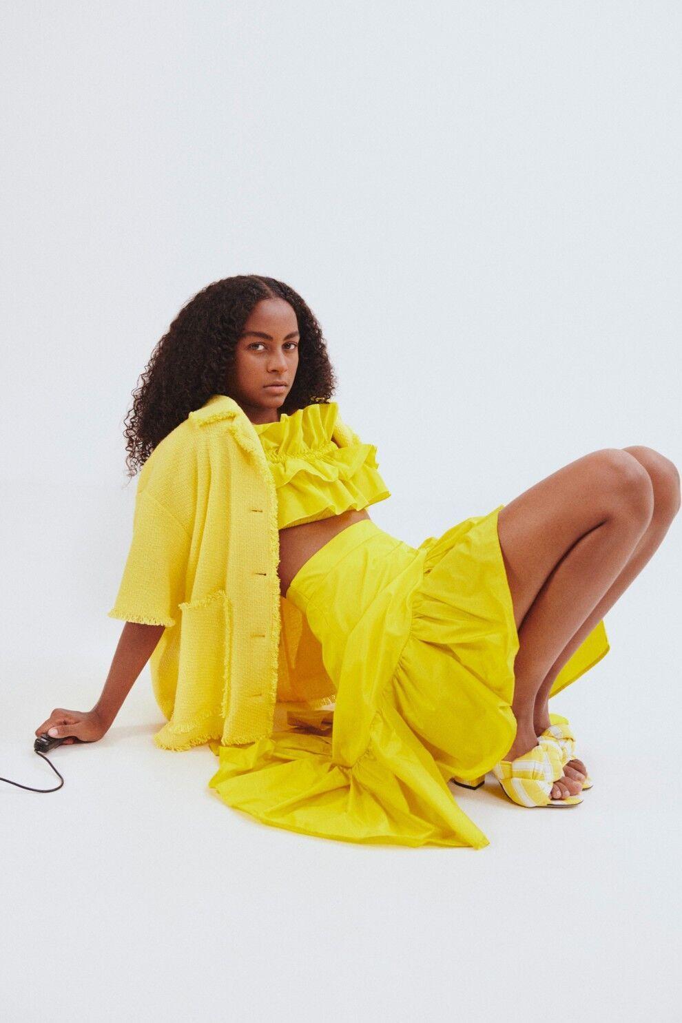 Модный монохромный образ желтого цвета от MSGM