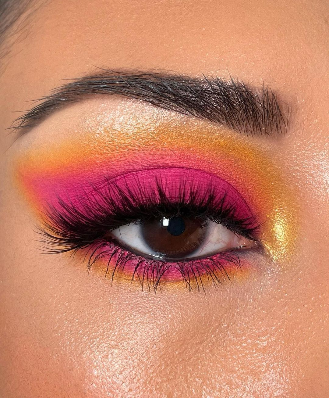 Выразительный макияж глаз, вдохновленный летним закатом