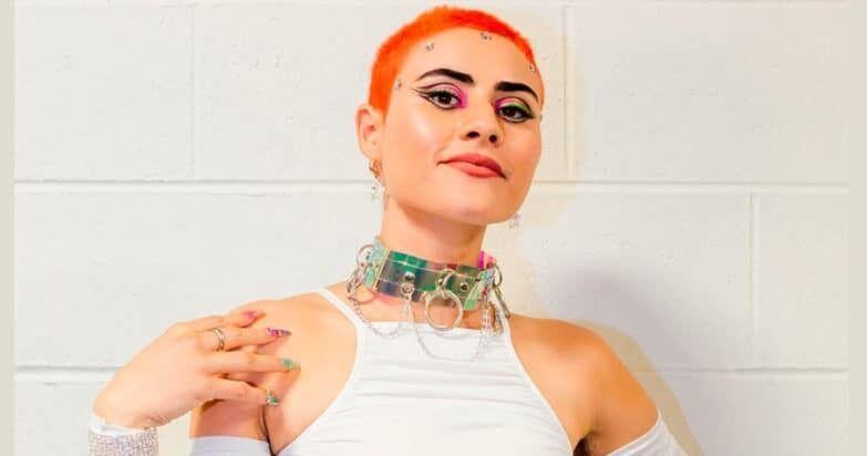 Участница из Австралии Монтень (Джессика Алисса Серро)