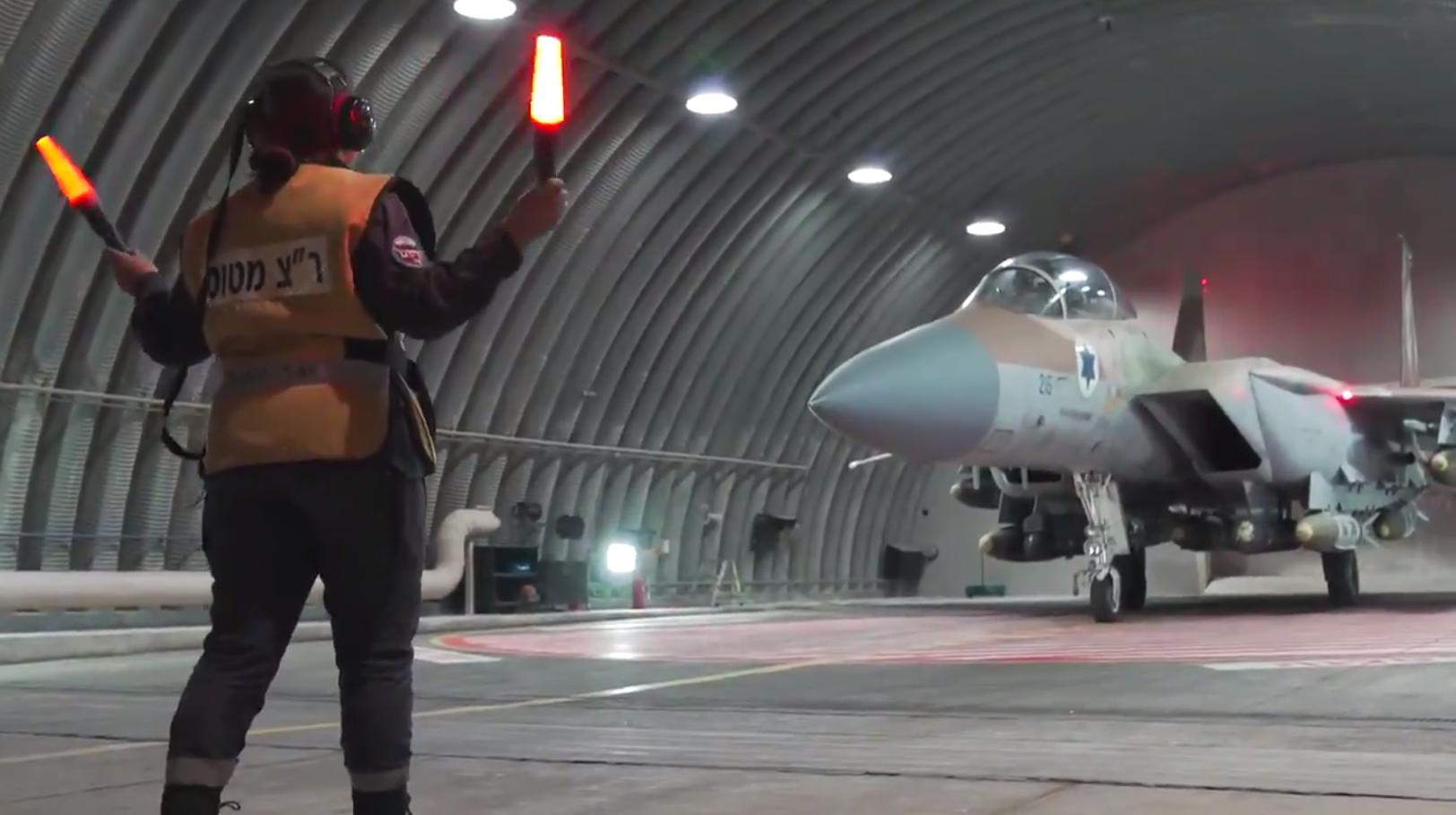 ВВС Израиля выпустили по ХАМАСу 450 ракет