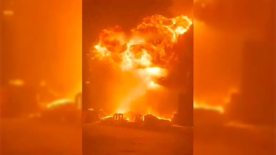 Взрыв из-за ракетной атаки