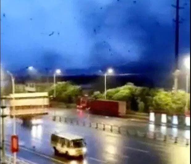 В Ухані зафіксували потужний торнадо