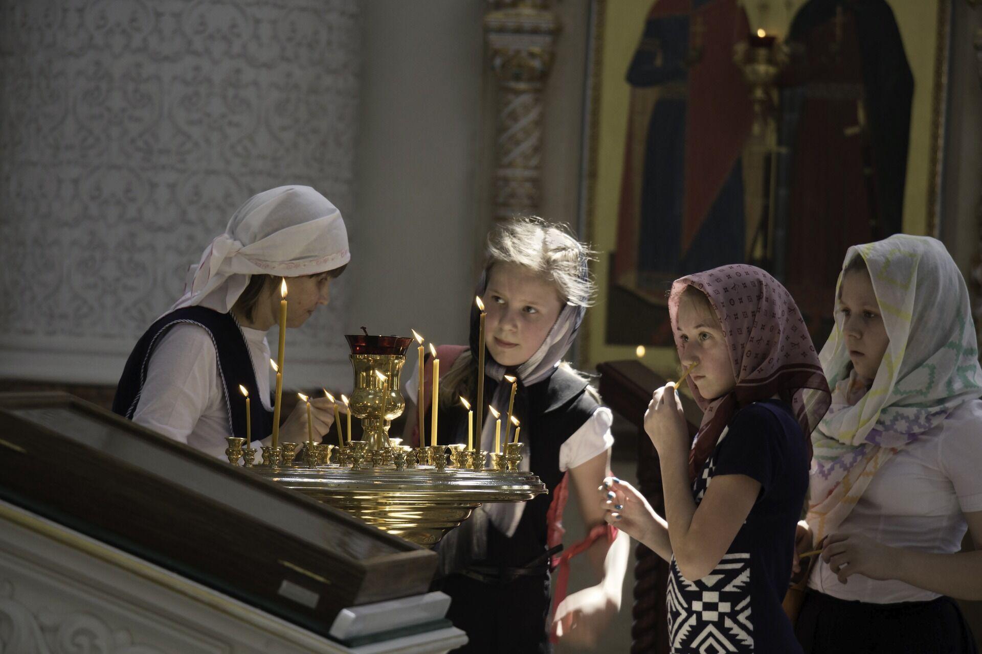 В православии прославление жен-мироносиц связано с прославлением Воскресения Христова