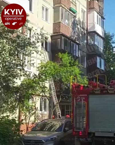 У Києві прогримів вибух у багатоповерхівці: відео з місця НП