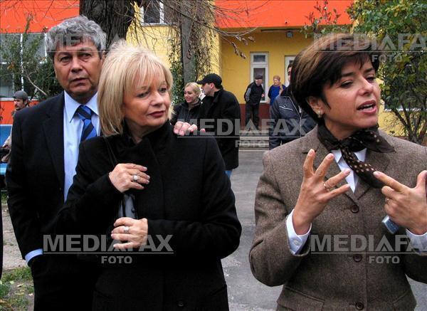 Неллі та Мірча Луческу (2003 рік)