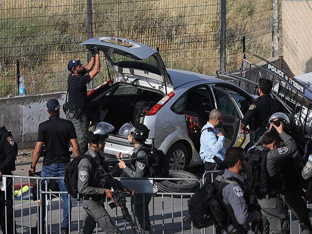 Фото з місця теракту.