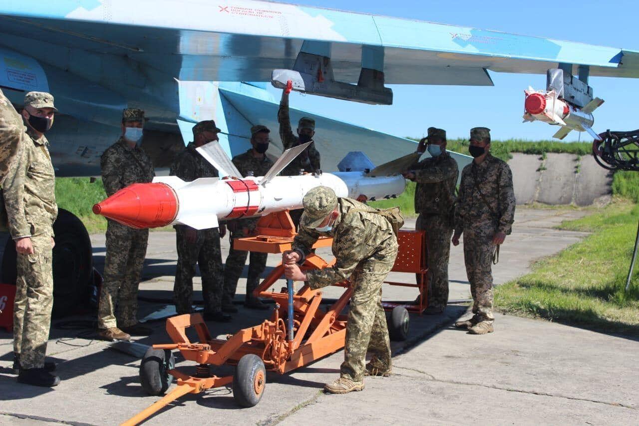 Военнослужащие получили практические навыки по восстановлению боеспособности