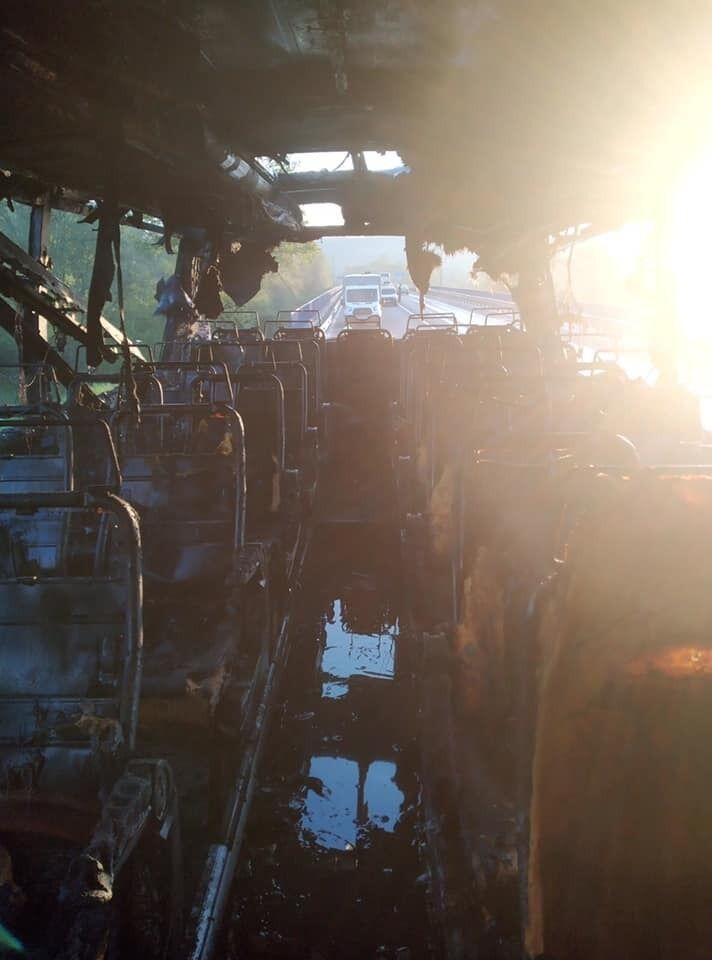 На Львівщині згорів двоярусний рейсовий автобус