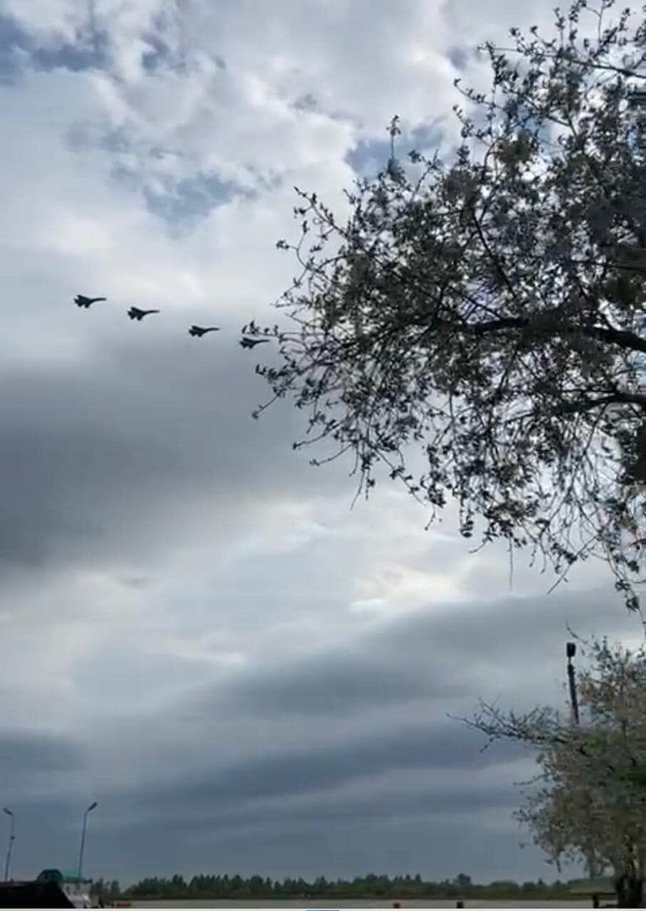 Командир авиационной эскадрильи руководил действиями истребителей на земле и в воздухе
