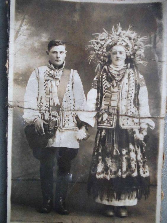 Свадебная фотография из Коломыйского района в 1930 году.