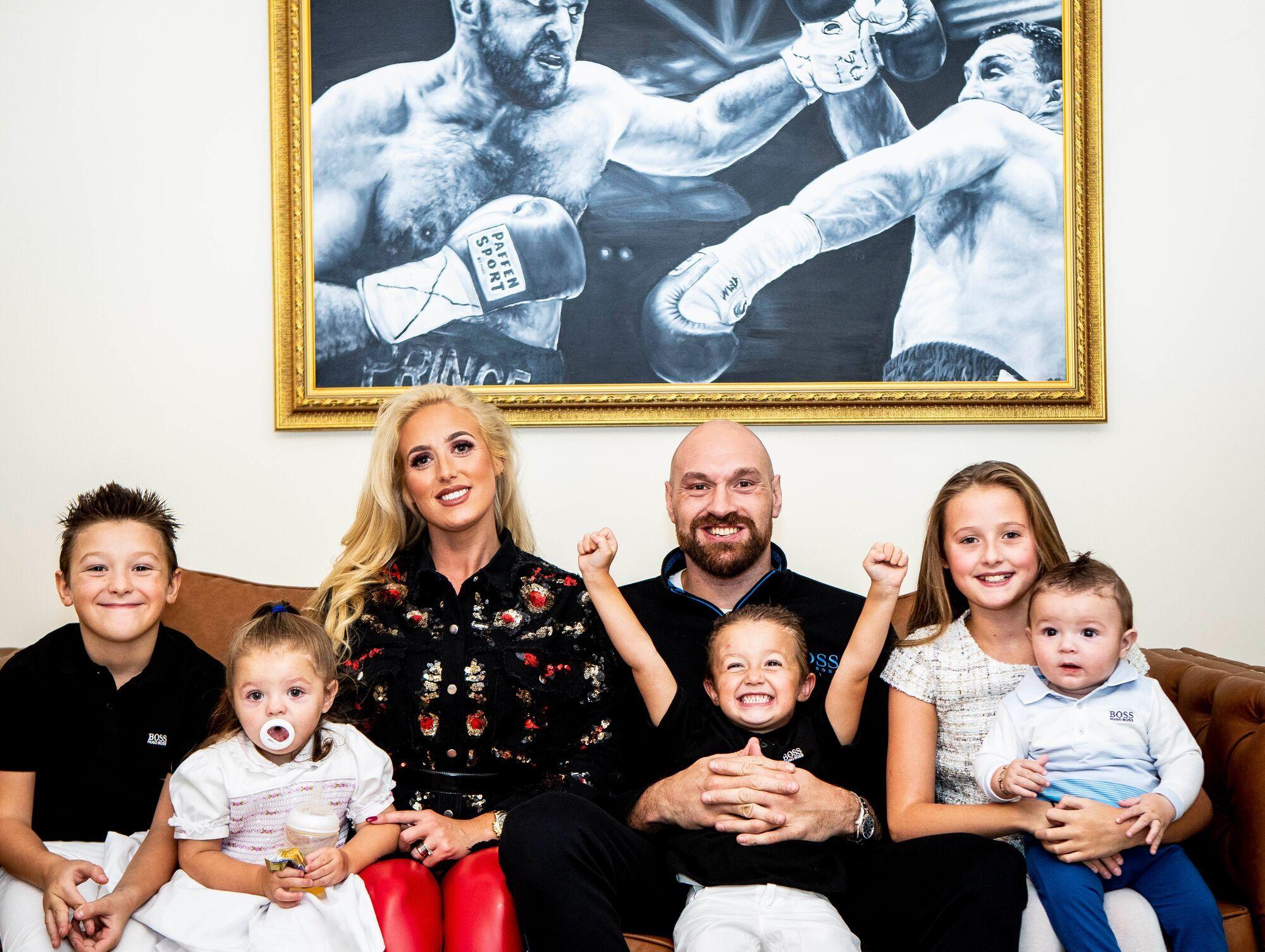 Тайсон із дружиною і дітьми
