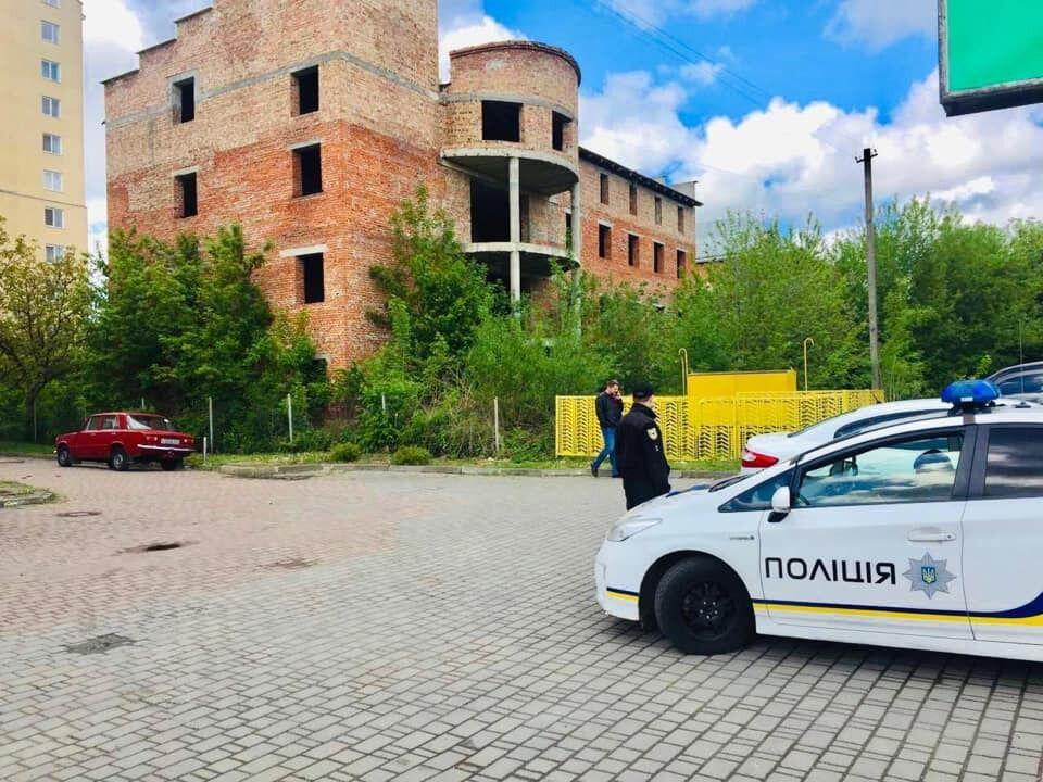 Происшествие случилось на объекте незавершенного строительства в городе