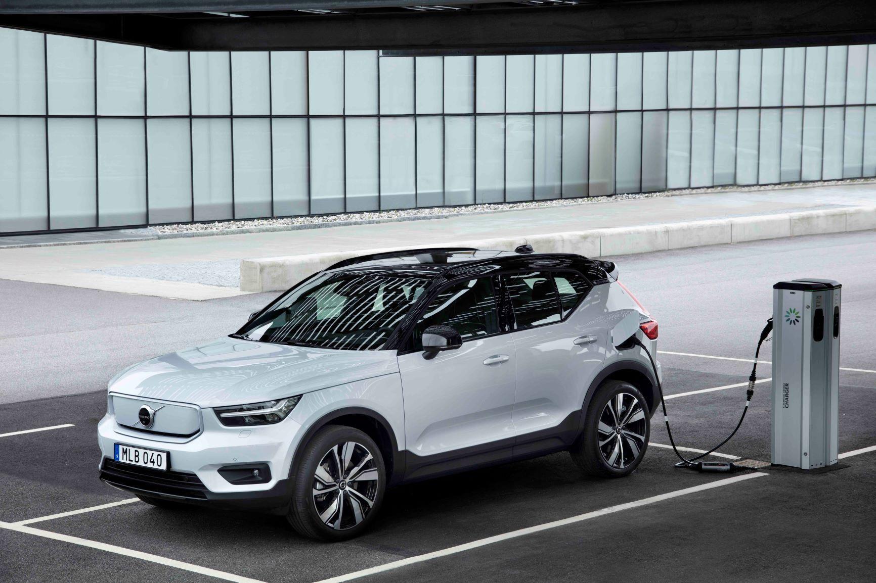 В Украине первые экземпляры кроссовера Volvo XC40 Recharge ожидаются в июле