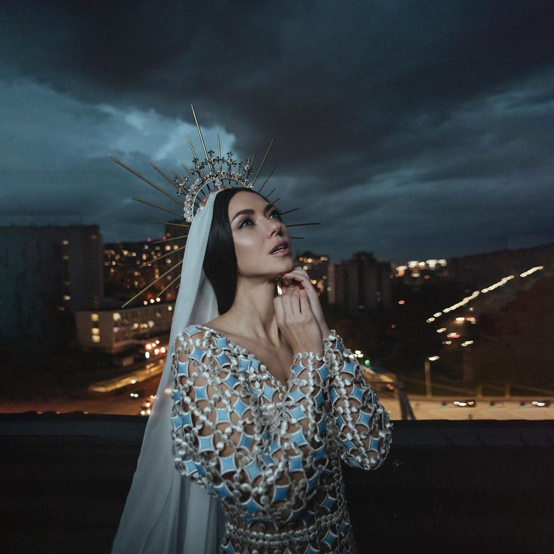 """Вика из """"НеАнгелов"""" объявила о начале сольной карьеры."""