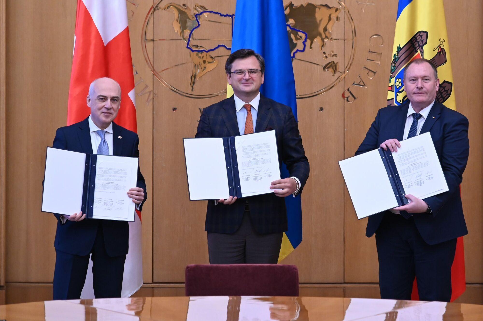 """Україна створила з Грузією та Молдовою """"Асоційоване тріо"""""""
