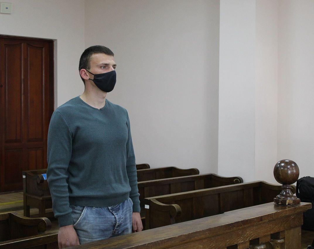 Захисник підозрюваного ветерана АТО просив повністю скасувати йому домашній арешт
