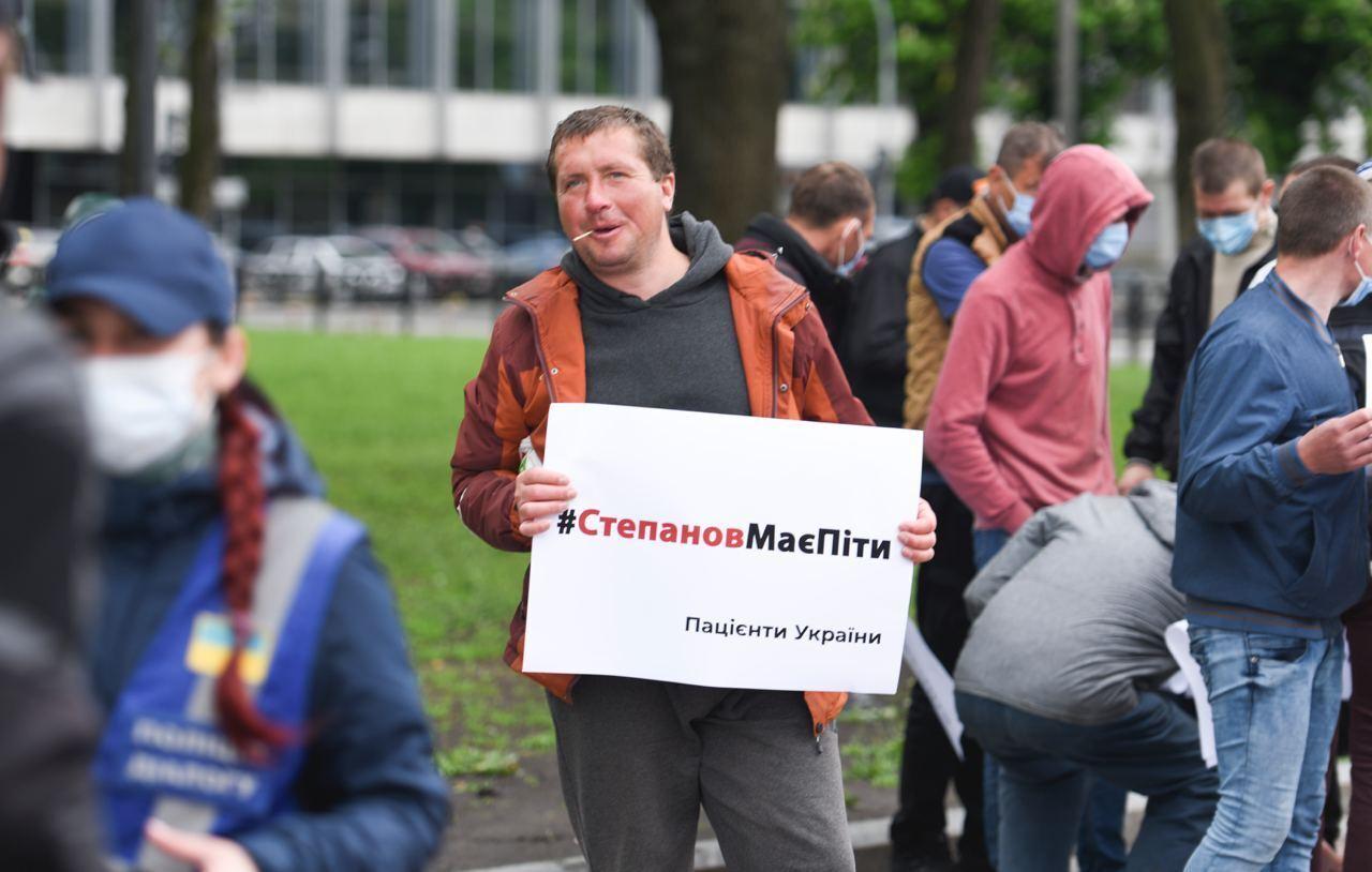 """Один из """"активистов"""" рассказал, что за участие в митинге ему обещали 200 гривен"""