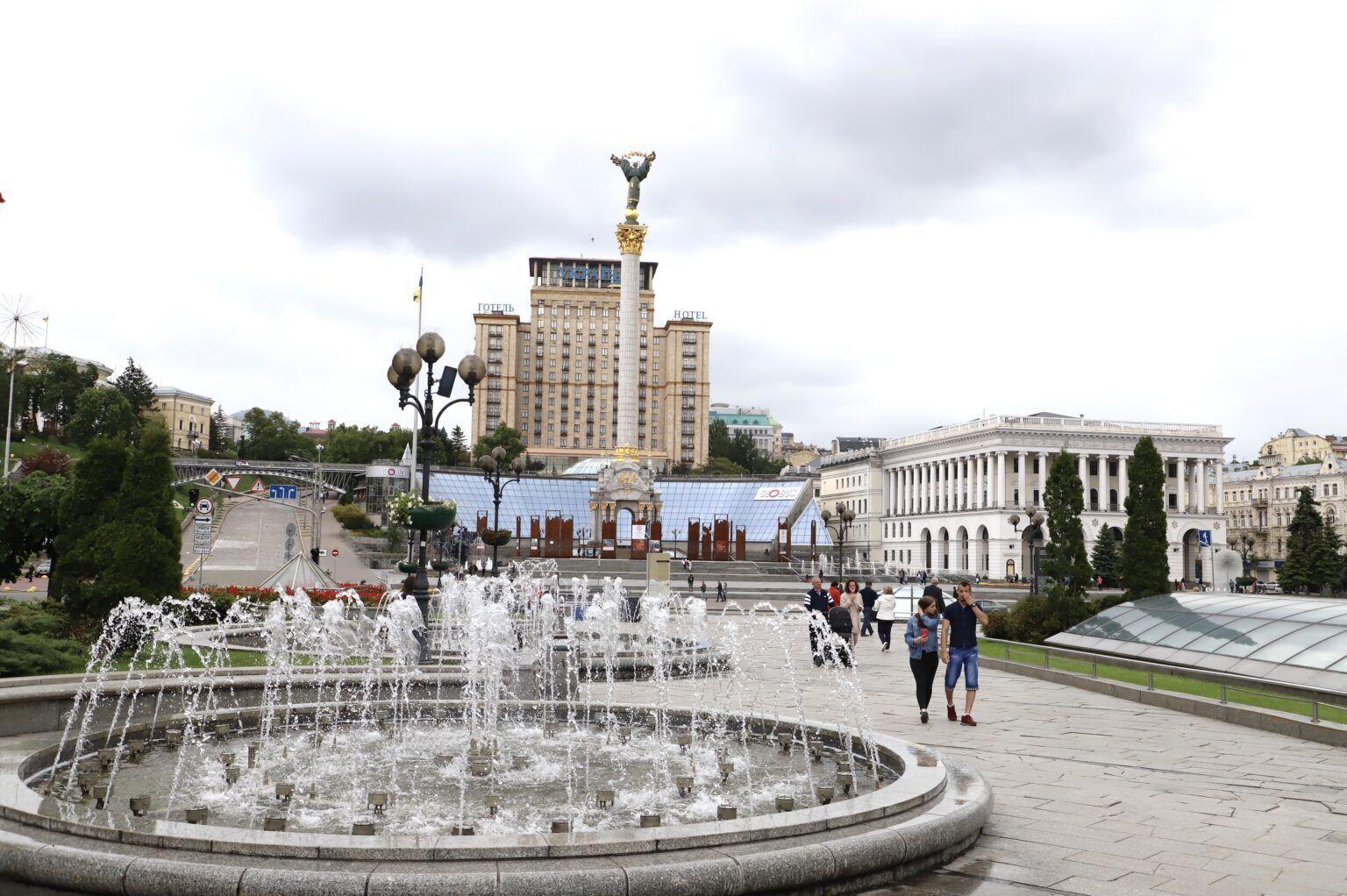 Світломузичні фонтані на Майдані Незалежності.