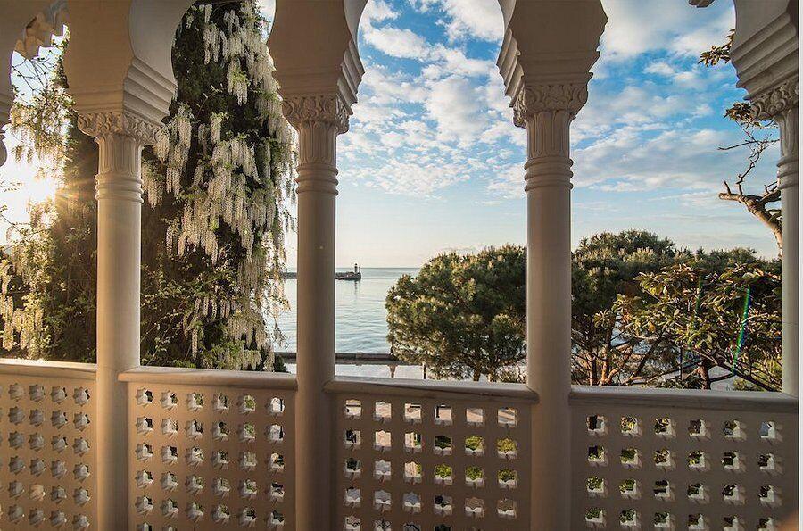 Вид на море из отеля Софии Ротару в Крыму