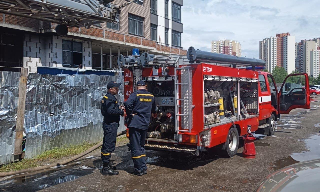 В Киеве горела новостройка.