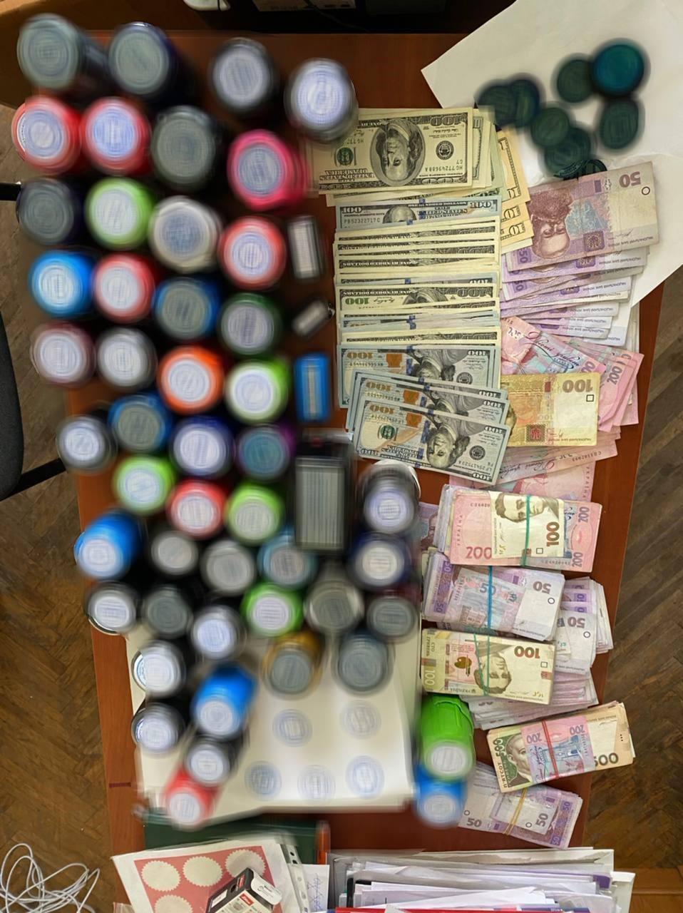 ГФС провела обыски по фактам незаконной поставки и реализации нефтепродуктов