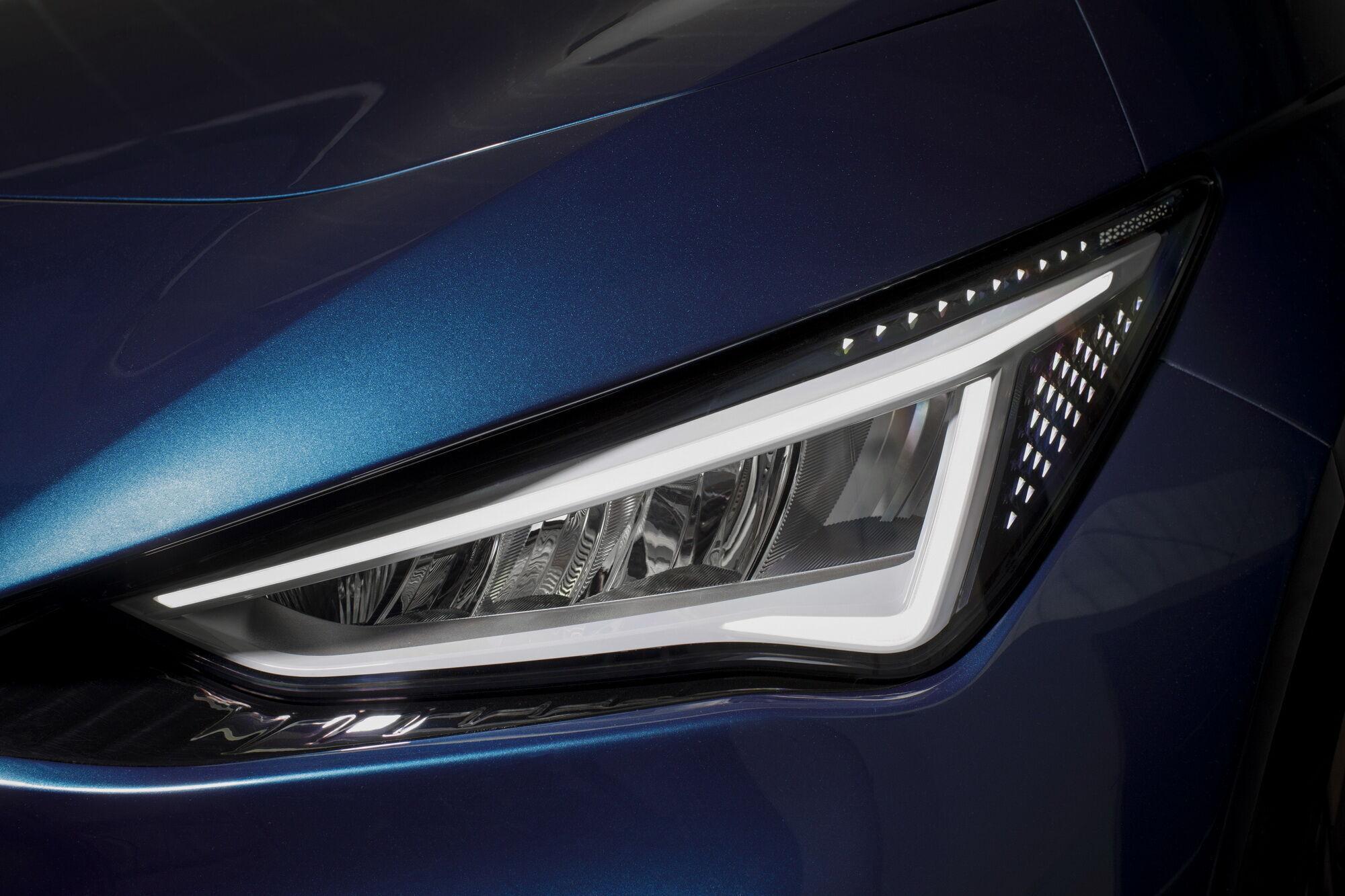 Автомобіль отримає впізнаваний малюнок світлодіодних фар