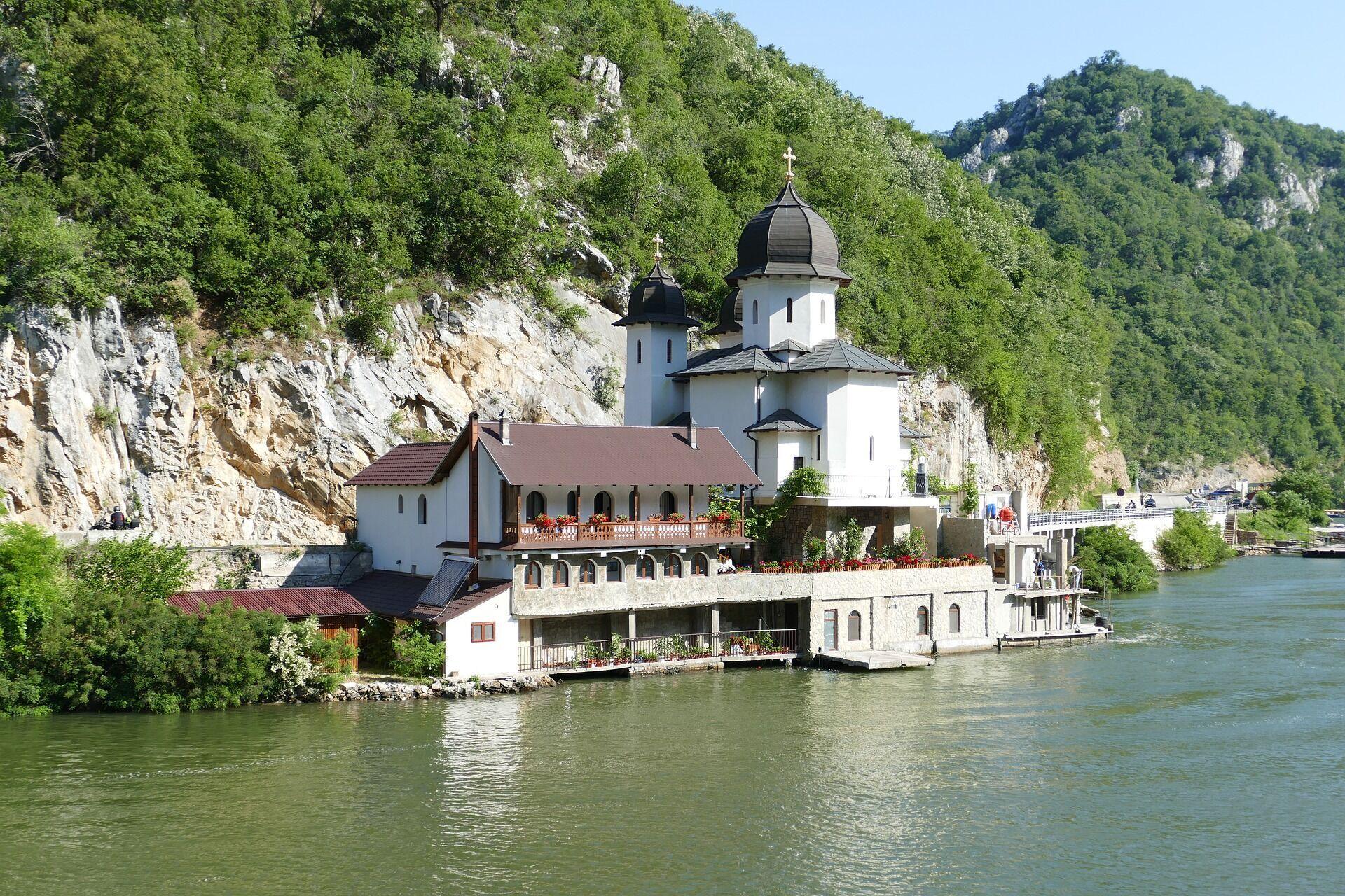 Курорты Сербии отличаются тем, что они расположены в долинах или на склонах гор.