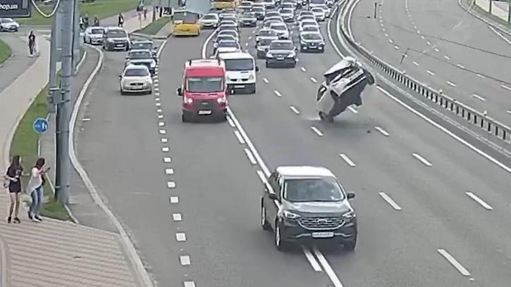 Момент аварії в Києві.