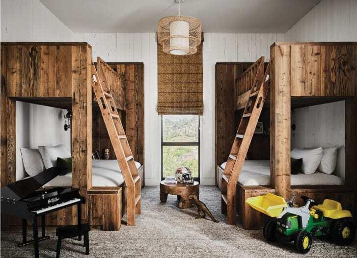 Дитяча кімната в будинку акторів