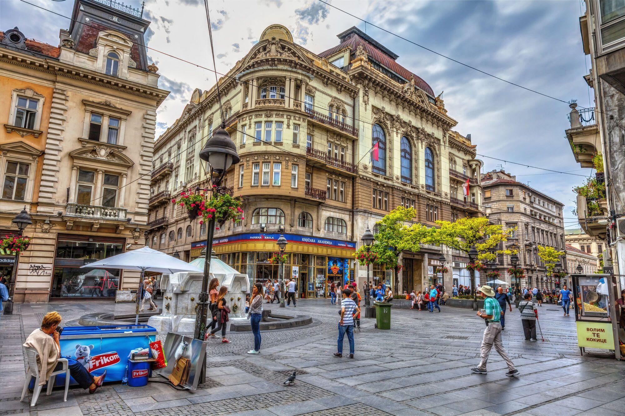 Белград построен на реке Дунай и привлекает туристов своим уютном и исторической атмосферой