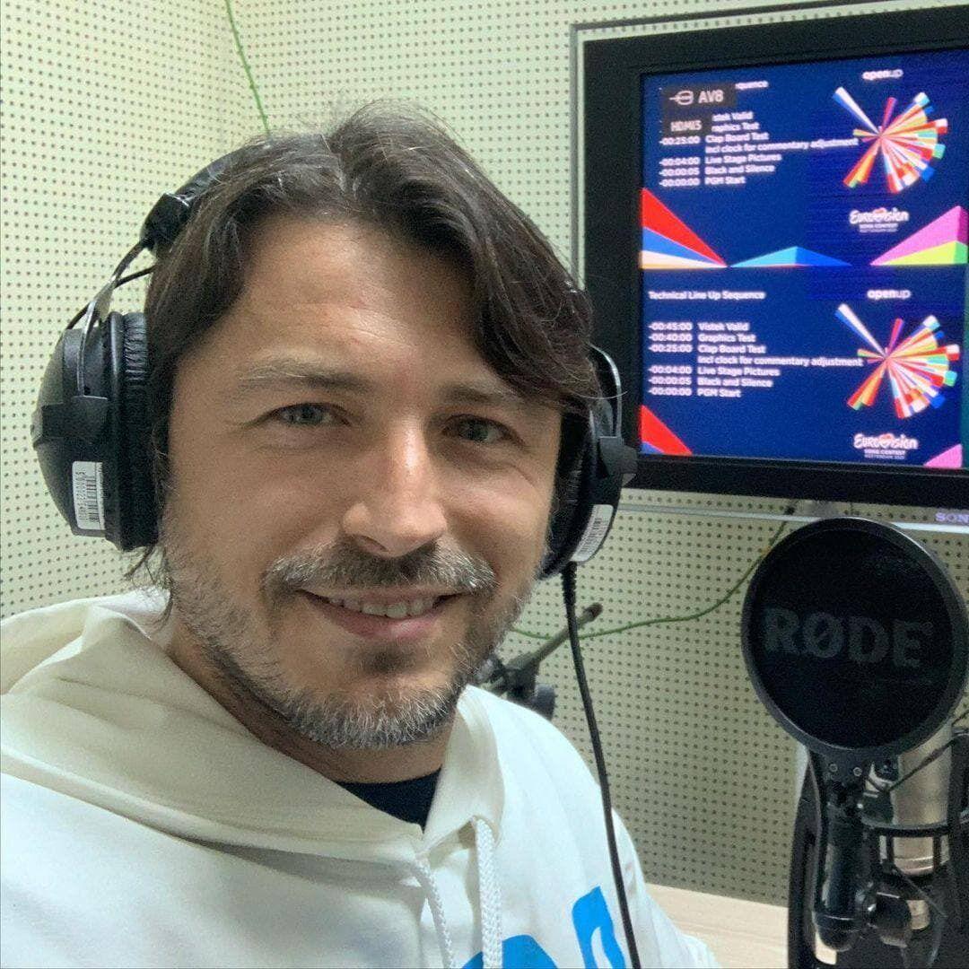 В эфире СТБ трансляцию Евровидения комментировал Сергей Притула