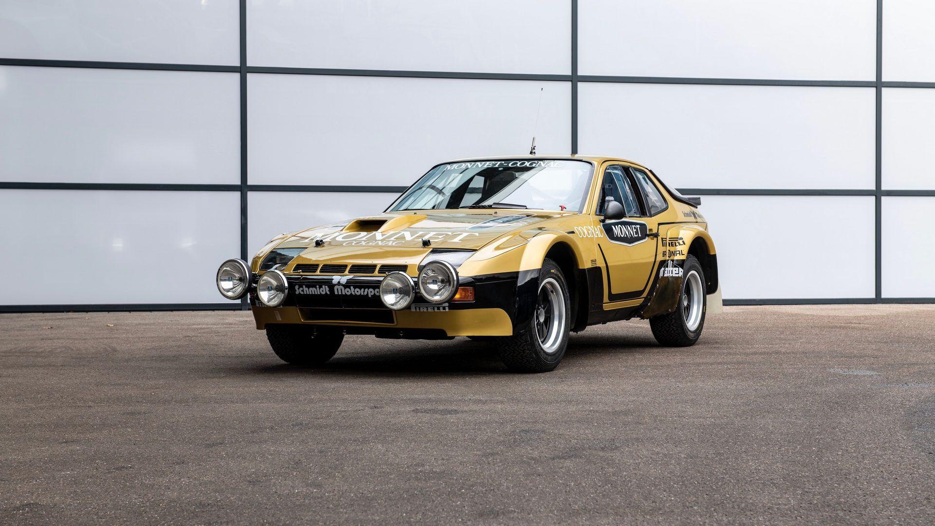 У процесі реставрації автомобіль отримав своє історичне забарвлення