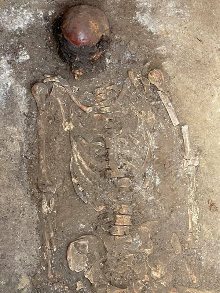 Поховання датується бронзовою добою