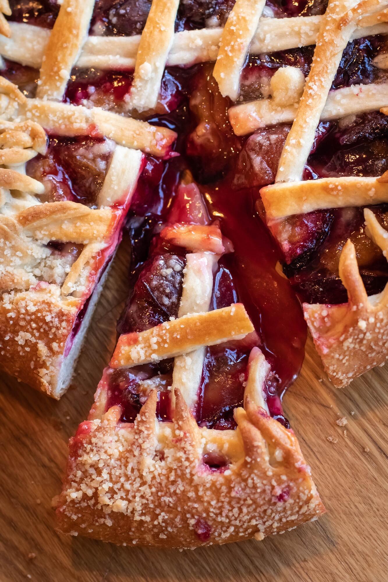 Домашній вишневий пиріг