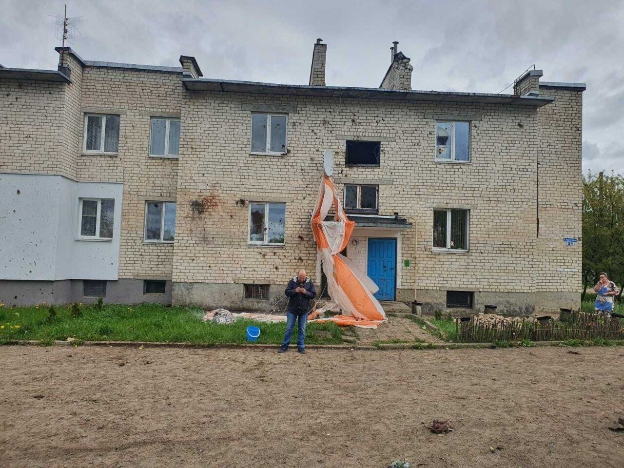 Літак впав біля житлового сектору