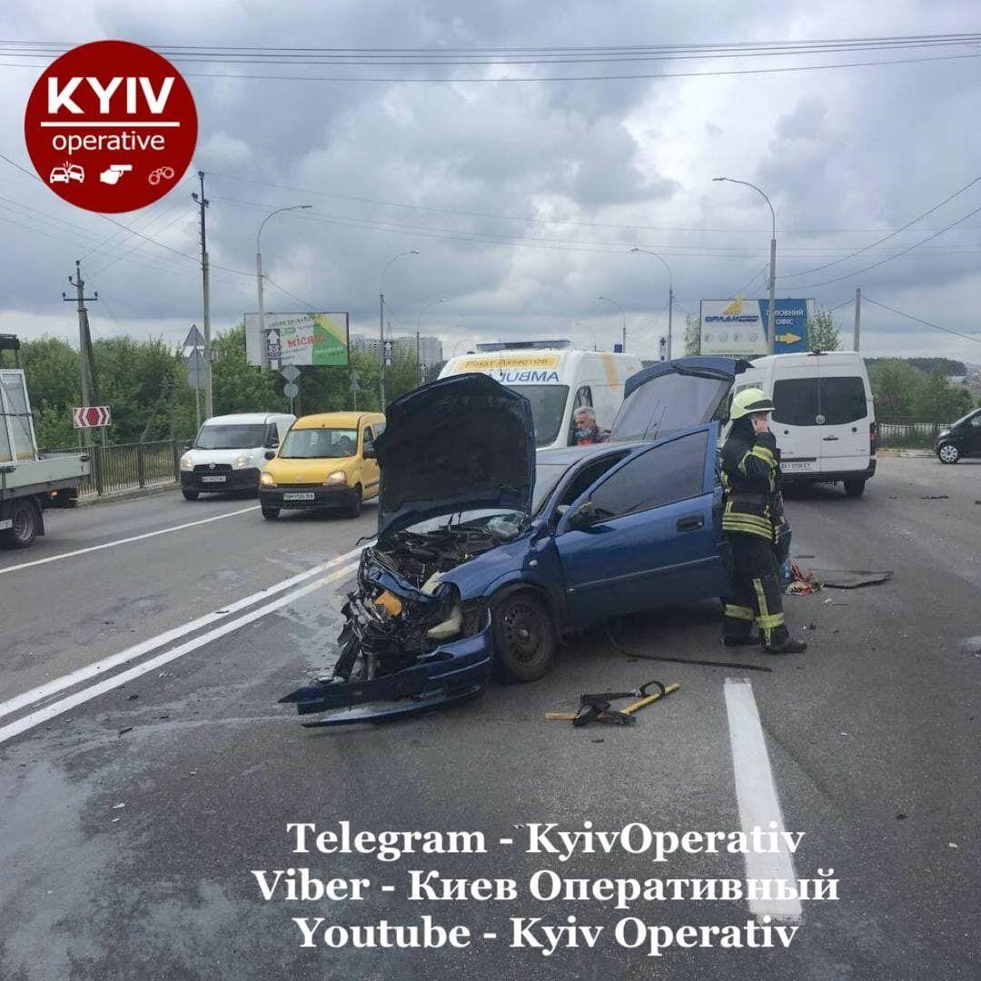 В результаті аварії постраждали дві особи.