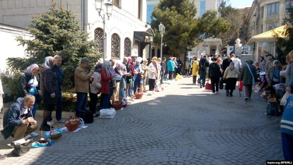 У Севастополі на святкуванні Пасхи читали Євангеліє на декількох мовах