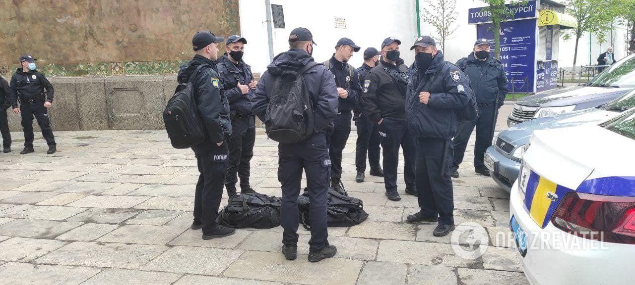 На місці чергувала поліція