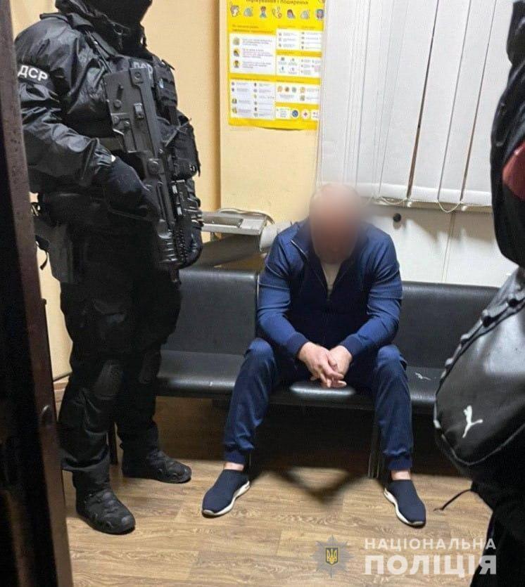 В Украине полиция задержала двух главных воров в законе
