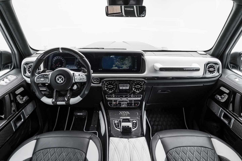 ИНтерьер Mansory Mercedes-Benz G63 AMG Viva Edition выполнен в черно-белой гамме