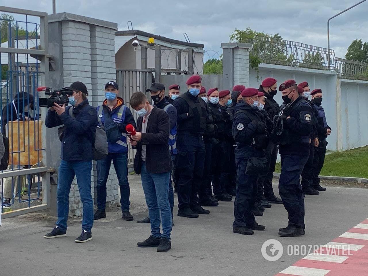 На місці чергували декілька десятків правоохоронців