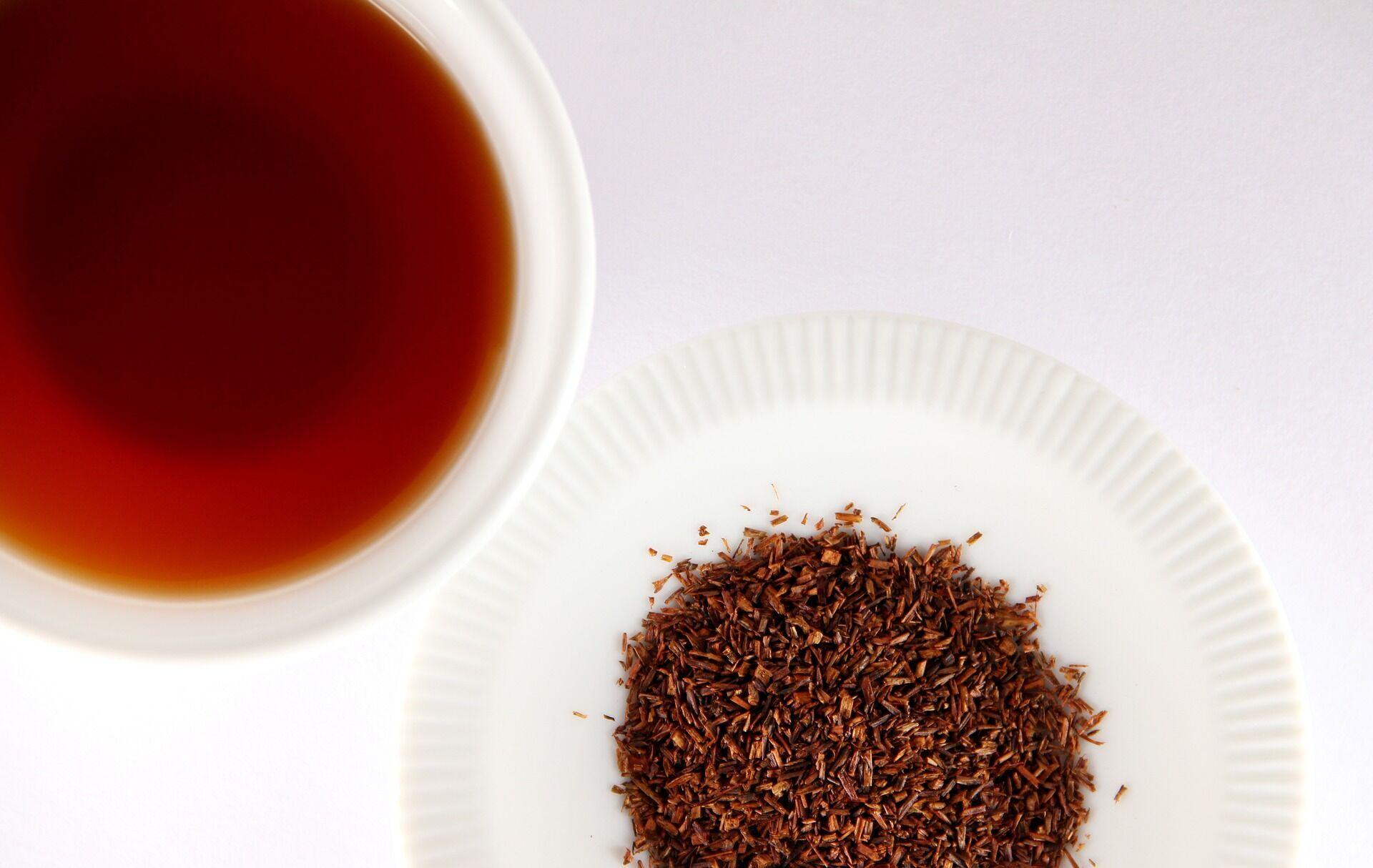 Красный чай ройбуш способен выводить из организма щавелевую кислоту