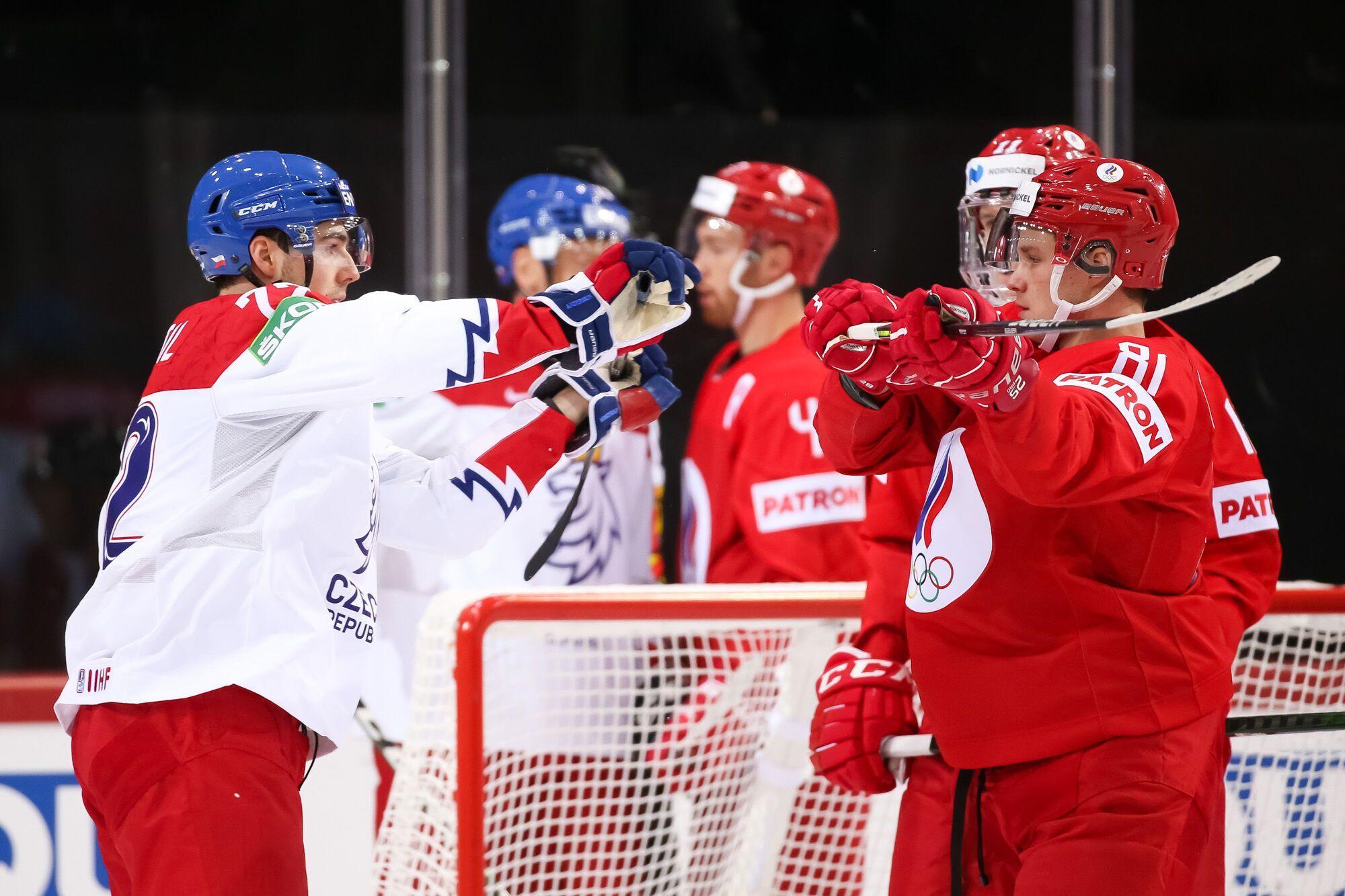 Россияне выиграли стартовую игру ЧМ.