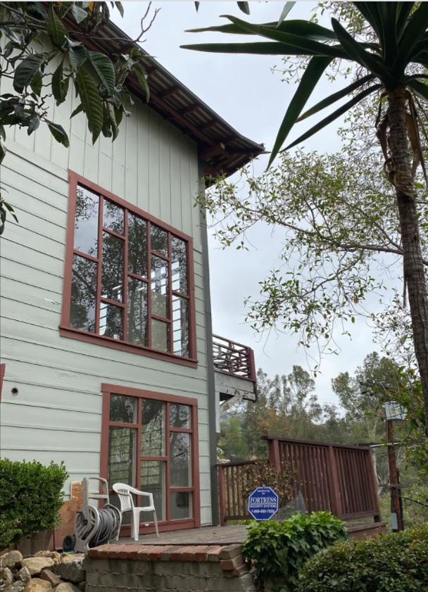 У Лос-Анджелесі продають колишній будинок Курта Кобейна і Кортні Лав